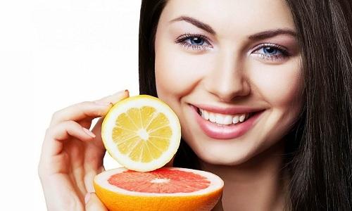 Ăn nhiều rau xanh và trái cây là cách chăm sóc da mặt hữu hiệu