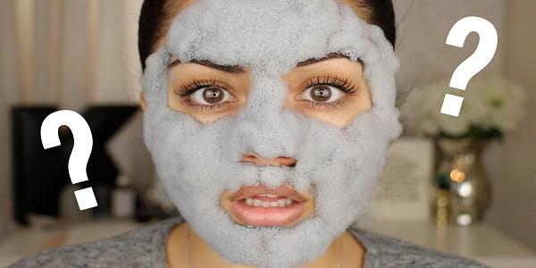 Xuất hiện những bong bóng nhỏ khi thoa sản phẩm lên da