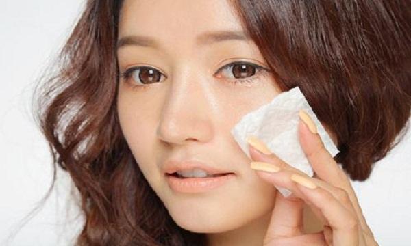 Da dầu là dấu hiệu của làn da đang bị thiếu ẩm