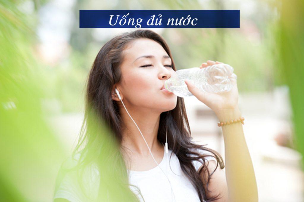 Mùa đông cũng cần cung cấp đủ nước cho cơ thể