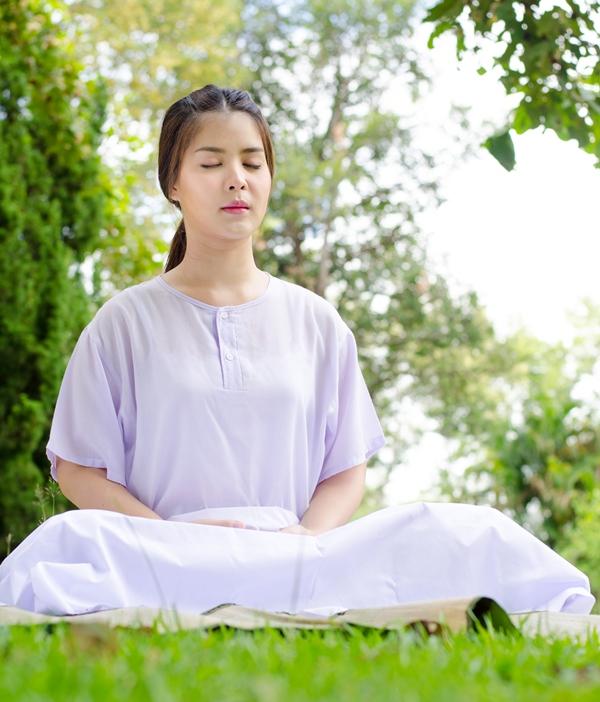Tập thể dục và thư giãn cơ thể giúp làn da không bị stress