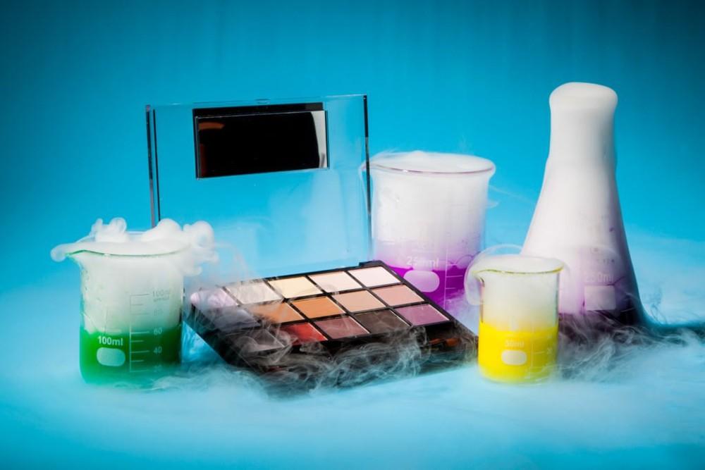 Những chất tạp màu, tạo mùi trong mỹ phẩm không tốt cho da dầu