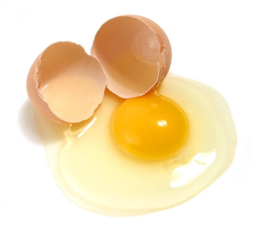Lòng trứng gà chứa nhiều vitamin rất tốt cho làn da