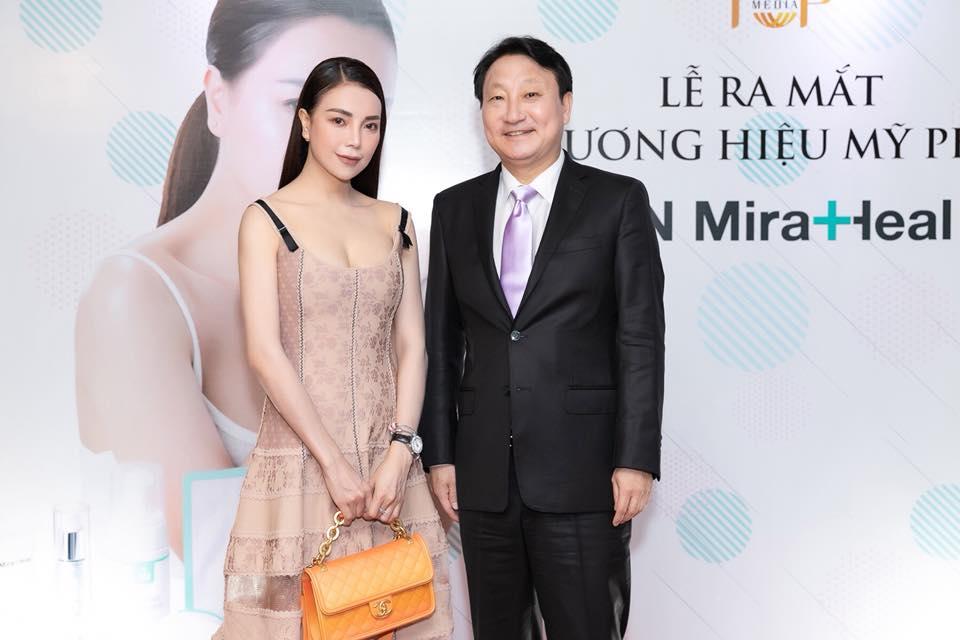 Bác sĩ Choi Byung Ik - người sáng lập thương hiệu bày tỏ niềm vui khi được hợp tác cùng Trà Ngọc Hằng