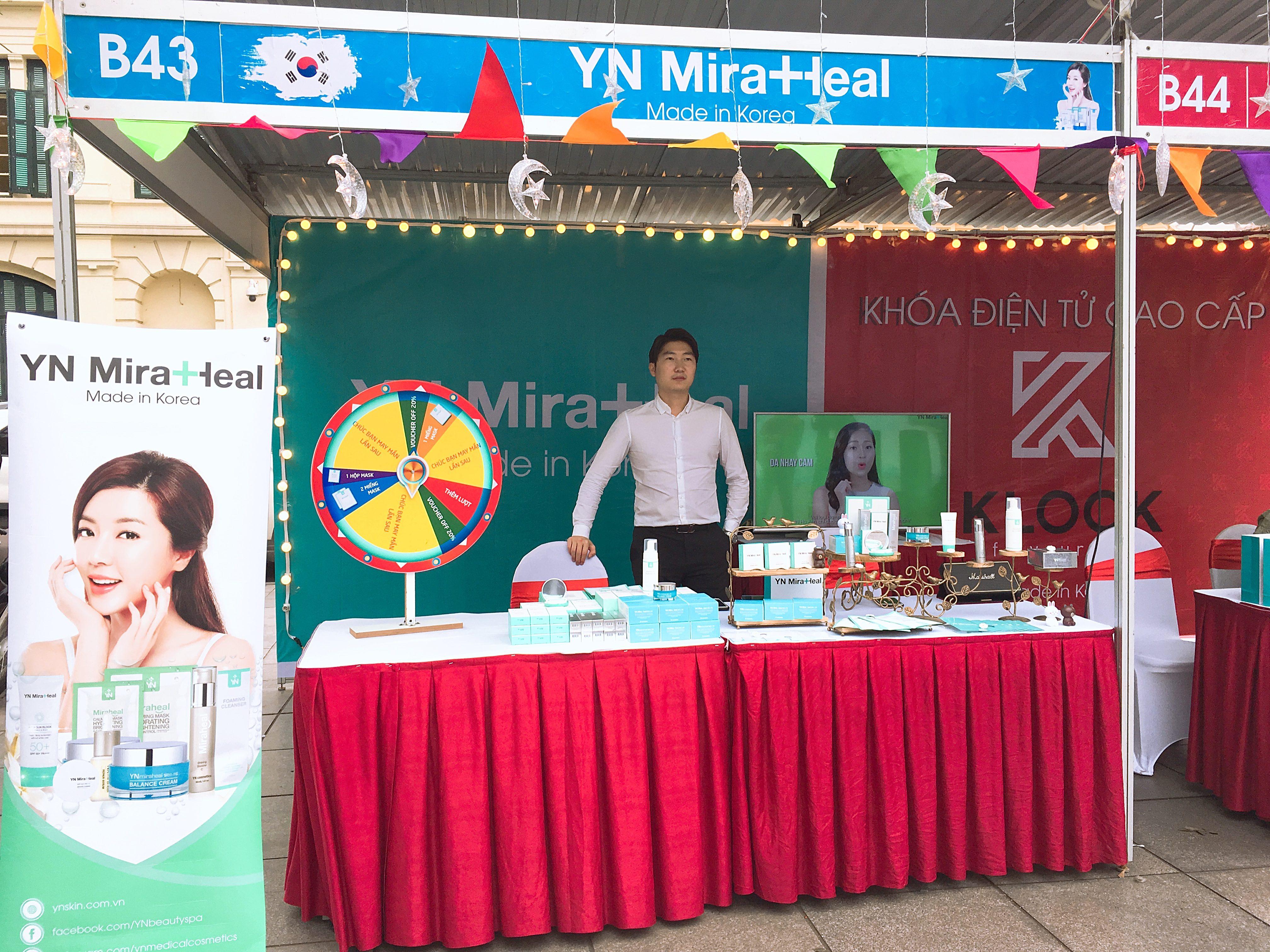 Gian hàng trưng bày của YN Medical Cosmetics