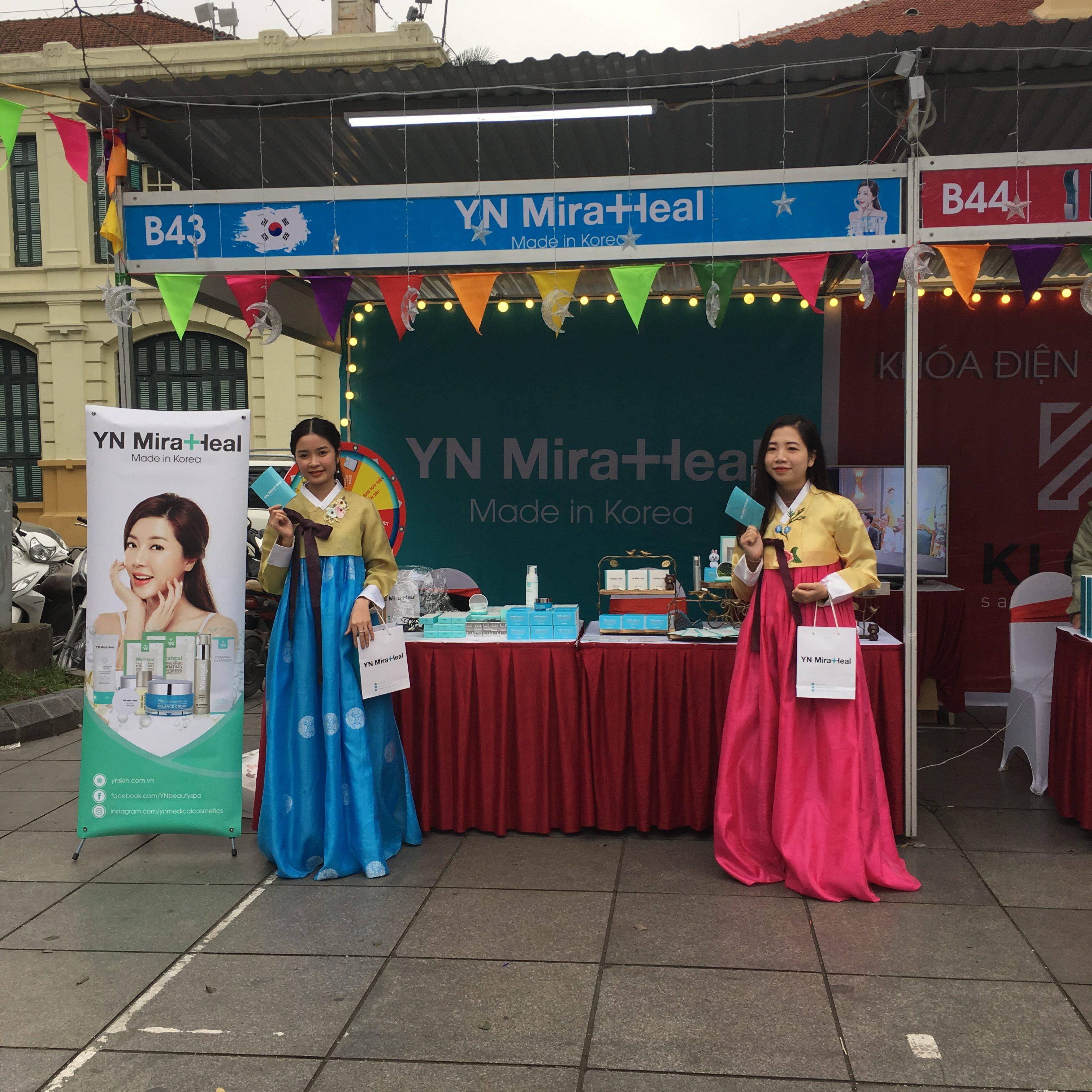 Những khách hàng may mắn trung thưởng trong minigame của YN Medical Cosmetics