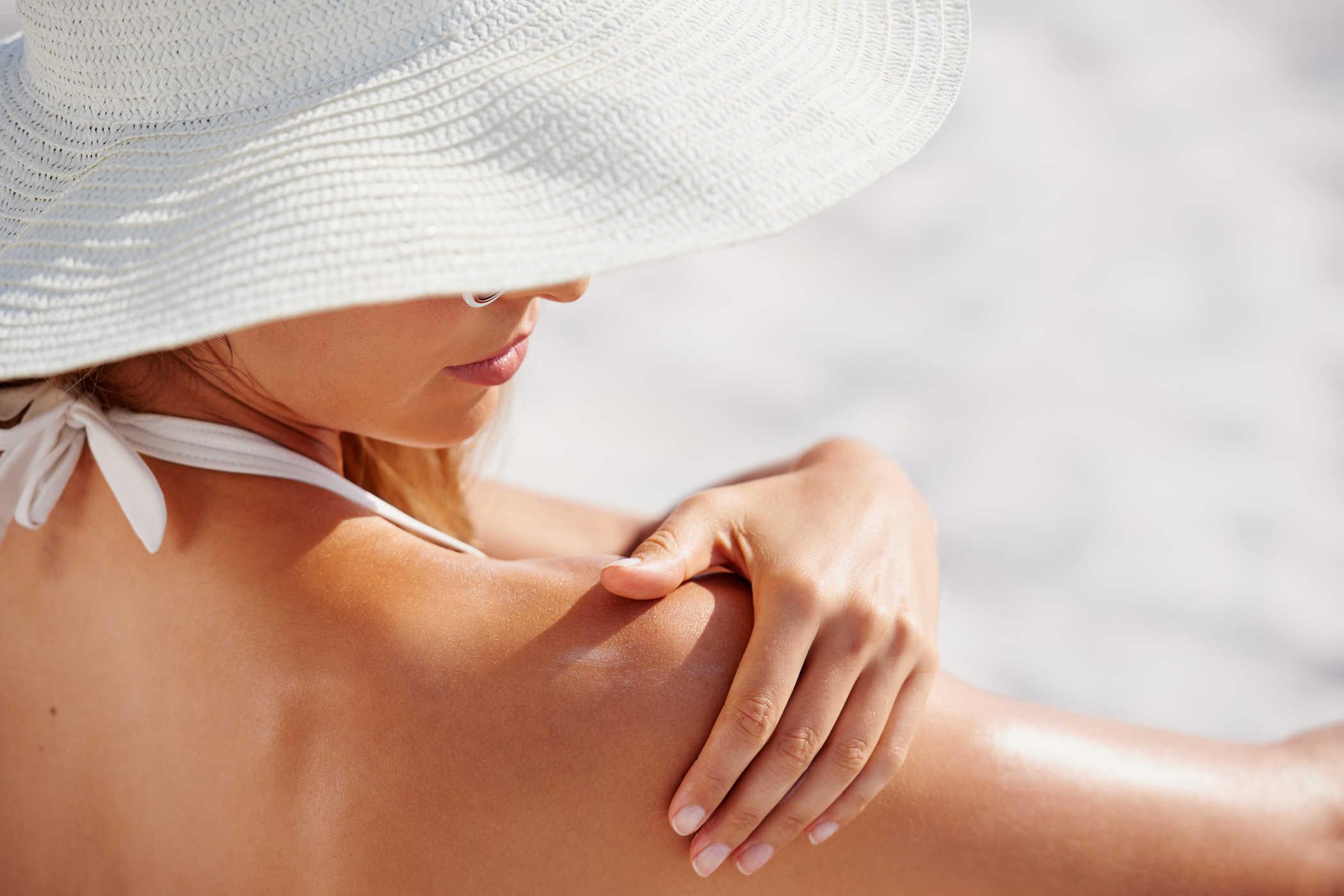 Kem chống nắng vật lý an toàn với da nhạy cảm hơn các dòng kem khác