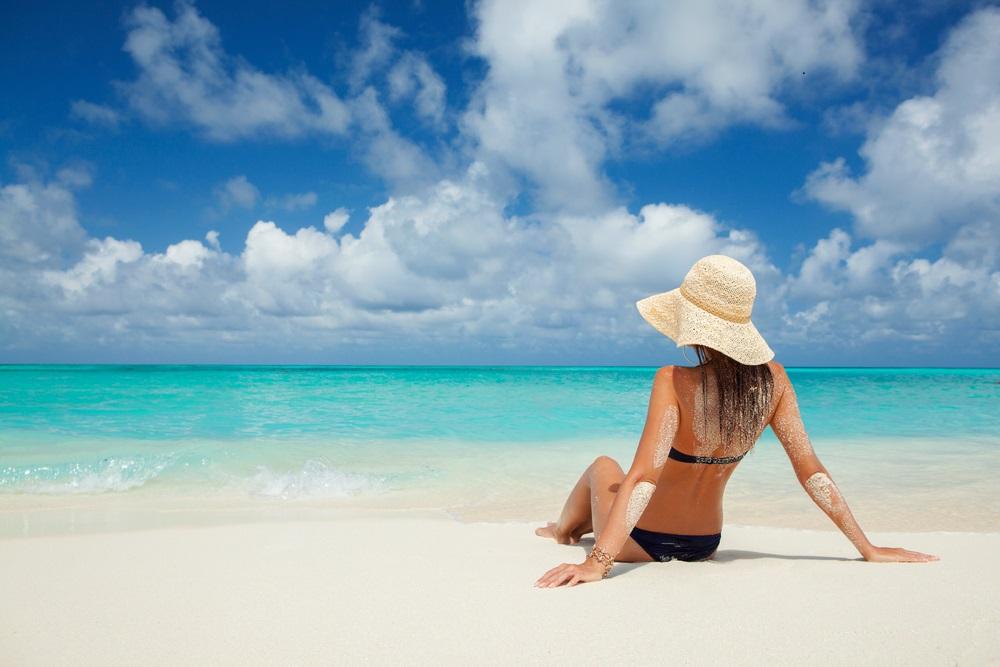 Kem chống nắng đi biển cần có chỉ số SPF trên 50