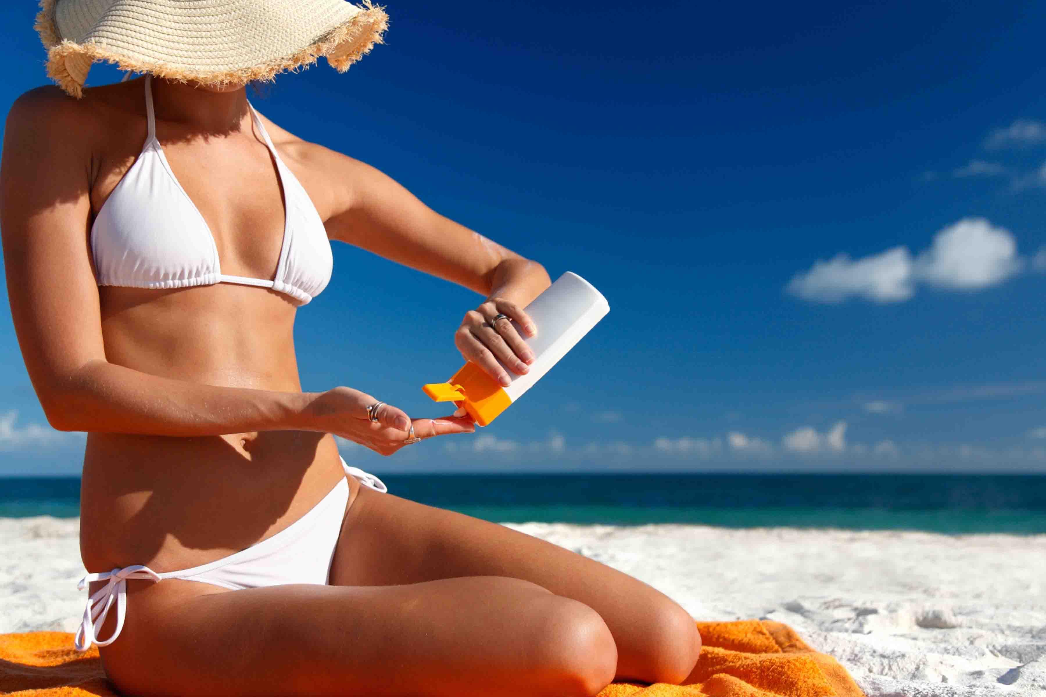 Bạn nên chọn loại kem chống nắng dùng được cho cả mặt và toàn thân