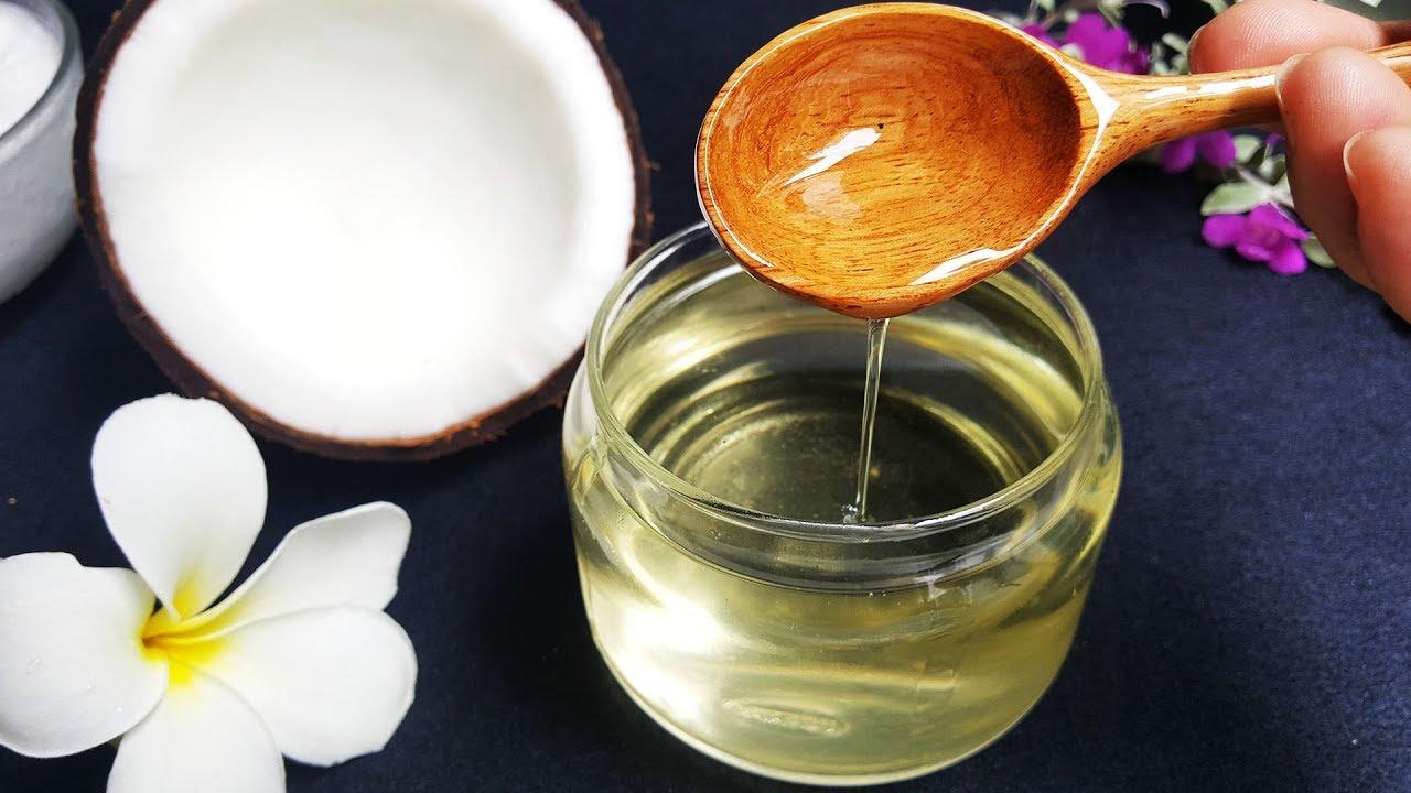Dầu dừa là nguyên liệu làm mặt nạ cho da khô cực đơn giản mà hiệu quả