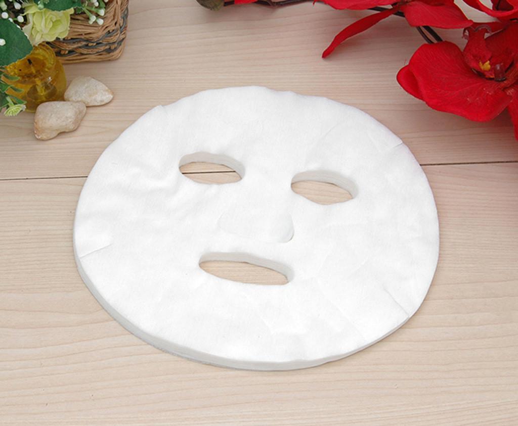 Cách đắp măt nạ giấy lưu ý không để mặt nạ bong tróc, tạo nếp nhăn trên da
