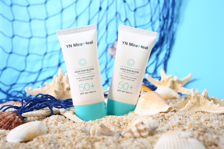 Kem chống nắng kiềm dầu tốt nhất do người tiêu dùng bình chọn là YN Miraheal Aqua Sun Block