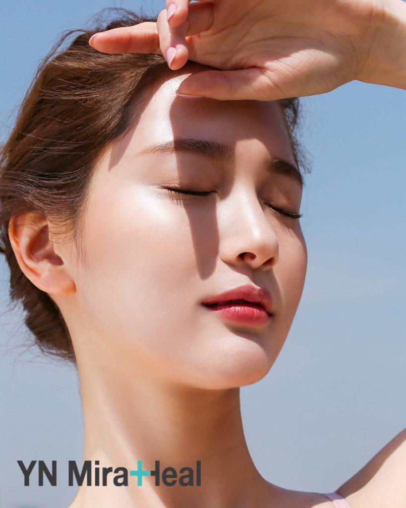 Da mặt là vùng da nhạy cảm nhất và cần được bảo vệ khỏi tác hại của tia cực tím