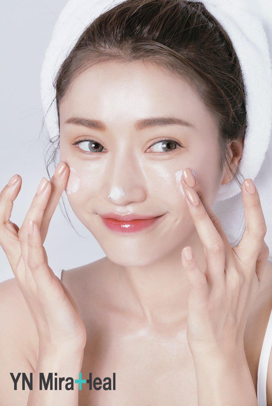 Các chuyên gia trang điểm thường dùng kem chống nắng sau bước dưỡng da
