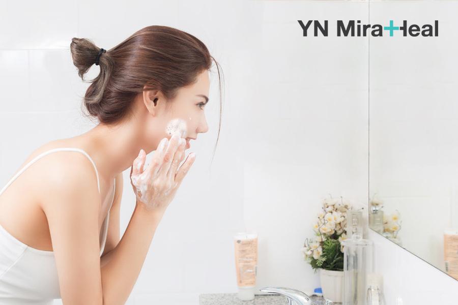 Sữa rửa mặt là sản phẩm không thể thiếu trong các bước chăm sóc da