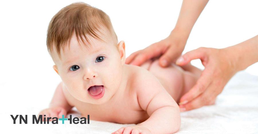 Chỉ nên sử dụng các loại kem dưỡng ẩm cho trẻ sơ sinh không chứa mùi hương và dịu nhẹ với làn da