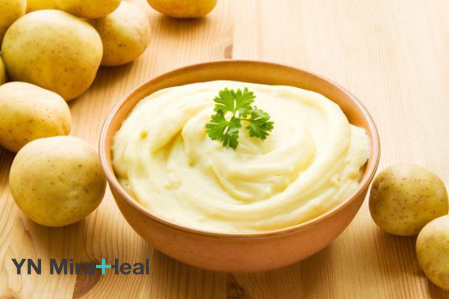 Hỗn hợp mặt nạ khoai tây và sữa tươi giúp dưỡng ẩm. dưỡng trắng da hiệu quả