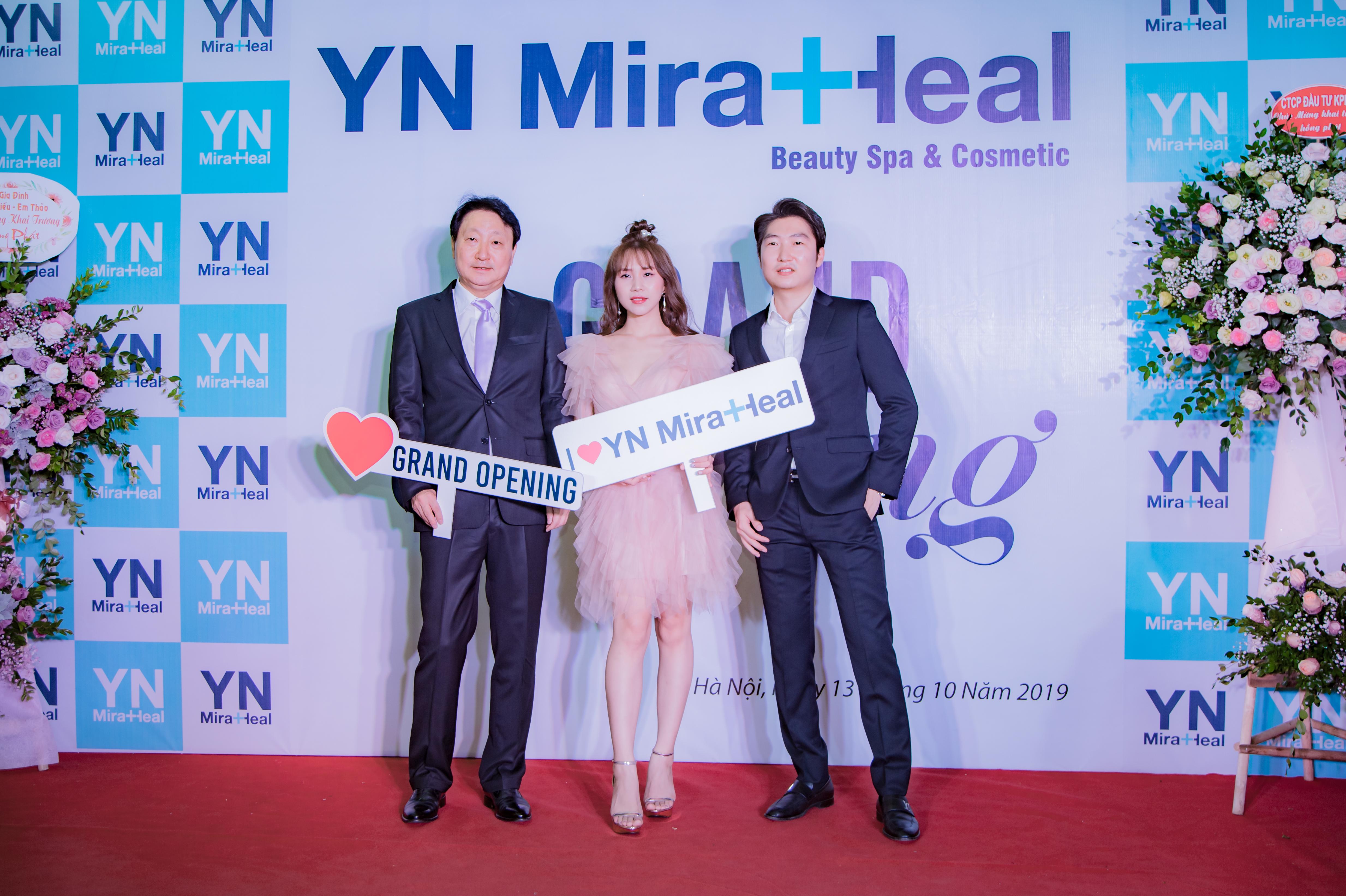 Tiến sĩ Choi Byung Ik là người sáng lập Viện Da liễu Yein và thương hiệu dược mỹ phẩm YN Miraheal