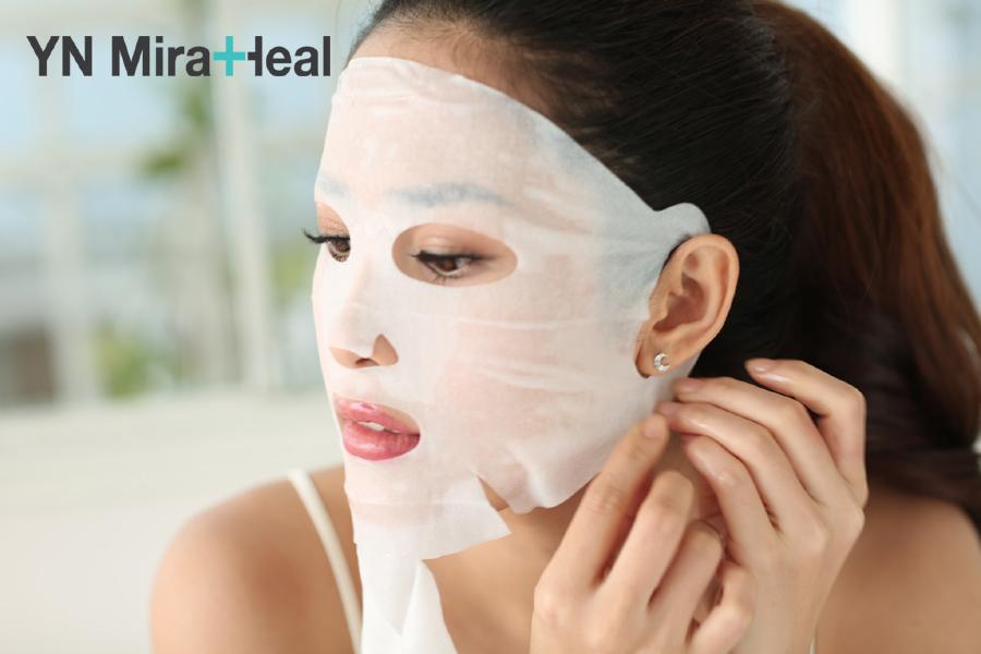 Da khô nên chọn mặt nạ không chứa cồn và hương liệu đê tránh gây kích ứng da